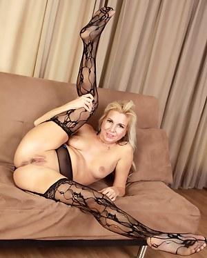 Flexible Mature Porn Pictures