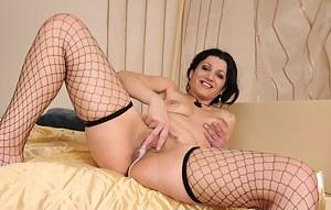 Cum in Mature Pussy Porn Pictures