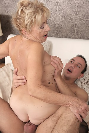 Buxom milf mckenzie lee riding his prick reverse cowgirl porn