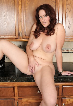 Mature Kitchen Porn Pictures