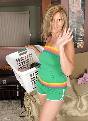 Mature Housewife Porn Pictures